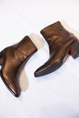 Saint Laurent Paris Patent leather high boots. 高筒靴