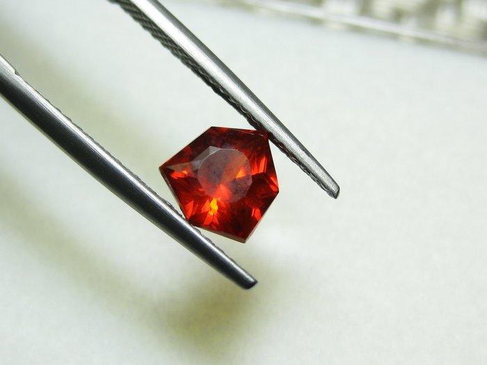 【Texture & Nobleness 低調與奢華】天然無處理 高品質AAA  紅鋅礦(Zincite) 1.89克拉