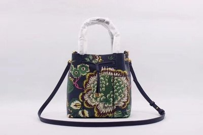 Alina精品代購 TORY BURCH 美國輕奢時尚 新款花卉圖案水桶包 手提包 斜背包 美國代購