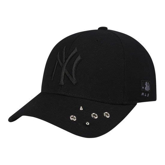 現貨【韓Lin連線代購】韓國 MLB --黑色NY刺繡鉚釘棒球帽 PIN PIERCING LONG STRAP