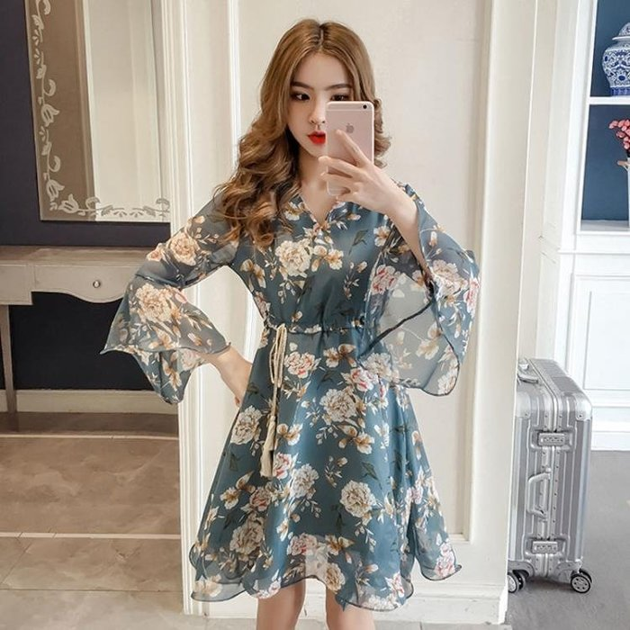 2018新款韓版喇叭袖碎花雪紡連身裙超仙小個子少女sukol裙子
