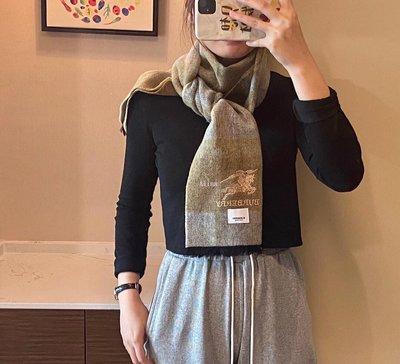 Alina 精品代購Burberry 巴寶莉 英倫都會時尚 輕便優雅羊毛保暖圍巾 披肩 顏色2 outlet代購