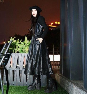 【黑店】暗黑系吊帶皮裙 個性吊帶中長裙 顯瘦百搭個性吊帶長裙 翻領吊帶中長裙ZY117