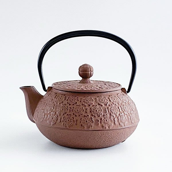 日本鑄鐵壺南部鐵器【岩鑄】櫻 彩壺0.65L-茶色 泡茶壺 急須 鑄鐵壺 茶壺 高山茶 普洱茶
