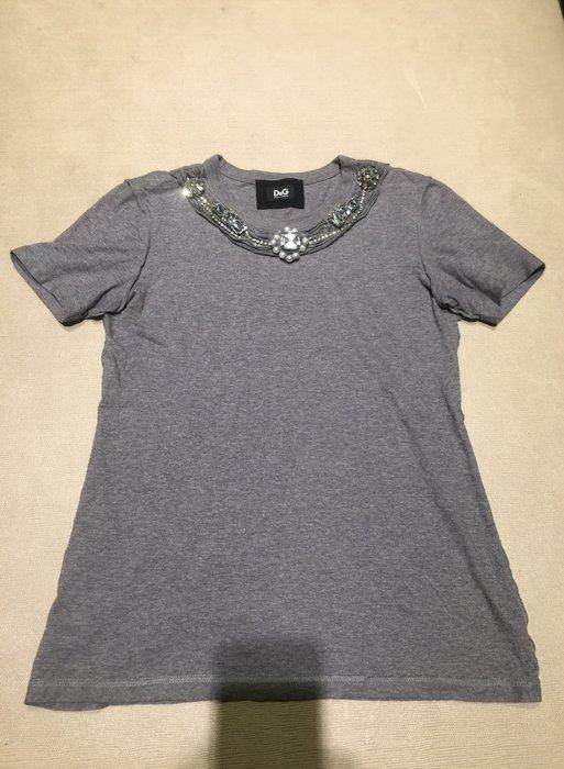 DOLCE & GABBANA D&G 透明立體大寶石 水鑽 灰色T恤 上衣 好萊塢明星 名媛 最愛