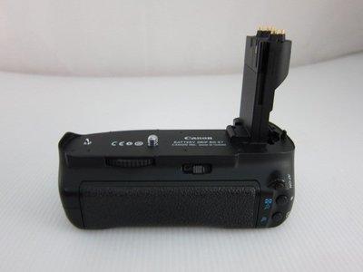 (二手品)Canon BG-E7 7D專用電池把手*只要1700元*(AR042)