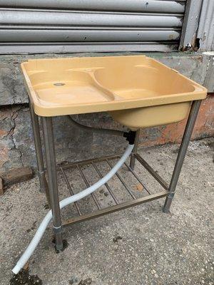 盡其用二手家具生活館 兩尺半不銹鋼塑膠水槽(附洗手台)/洗衣槽/洗手槽/洗碗槽/陽台水槽塑膠水槽  自取價1000