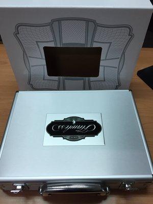 2016-17 Flawless NBA 超貴鋁製手提箱空盒(有很多個)