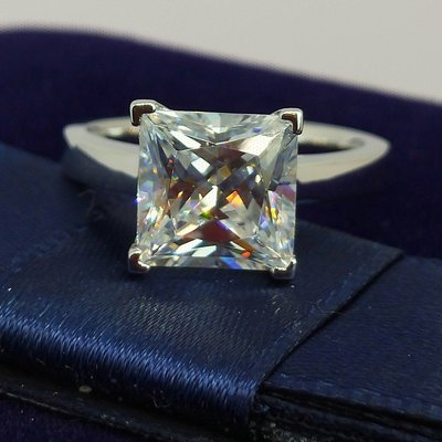 方型鑽石珠寶極光高碳鑽戒指3克拉公主方不鑲小鑽925銀鍍厚白金不退色肉眼難辨真假鉑金質感求婚訂婚結婚特價優惠百年經典指環鉑金質感媲美真鑽 莫桑鑽寶