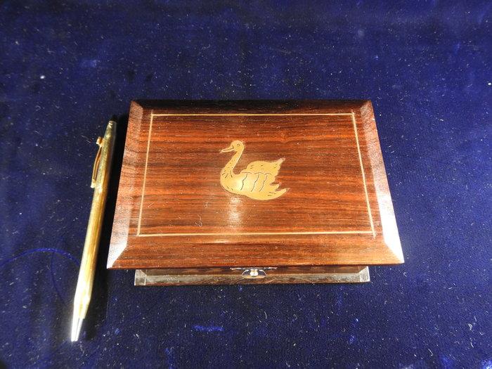 *阿威的藏寶箱‧*【特價 早期古董 珠寶盒 黑檀木崁銅 動物 花卉 】品相優,值得收藏