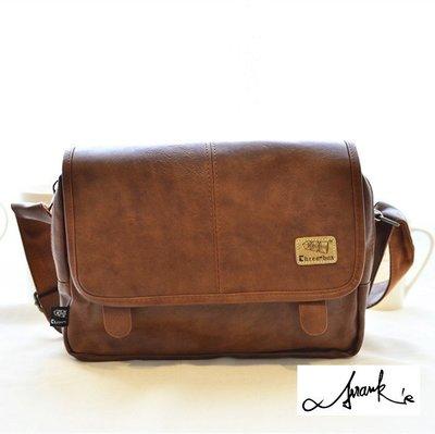 FRANKS店面款~咖啡色皮革 斜背包 大包 肩背 手提 肩背包 可調肩帶 後背包 斜背公事包