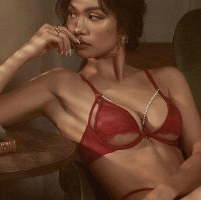 Qmomo 全新 珍珠美人計 成套XL 珍珠鏤空薄蕾絲情趣成套內衣 (惹火紅)