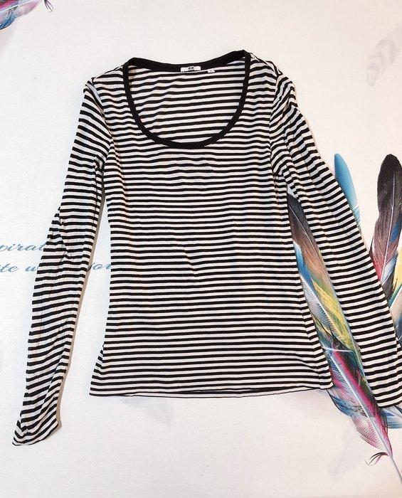 UNIQLO基本款長袖上衣條紋上衣M號,伸縮度L號可穿。