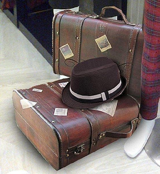 【優上精品】復古皮箱復古 手提箱 攝影道具懷舊皮箱 櫥窗陳列皮箱 手提箱 道(Z-P3229)