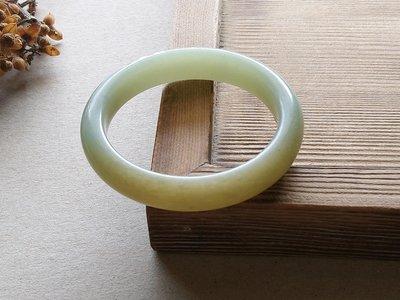 簡單Simple。現貨。80249號天然和闐玉/和田玉新疆和田籽料手鐲鐲子手環。內徑57MM