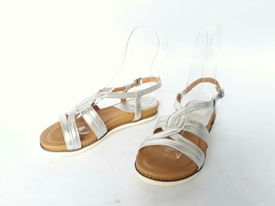 INKA專櫃正品、真皮皮底涼鞋、台灣製造、全真皮材質;舒適度佳好穿脫、百搭款低價出清、下單前請先問與答詢問庫存確認、恕不接急單#61271