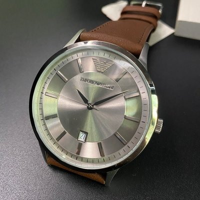 ARMANI阿曼尼男女通用錶,編號AR00005,42mm銀圓形精鋼錶殼,銀色簡約錶面,咖啡色真皮皮革錶帶款,明星最愛