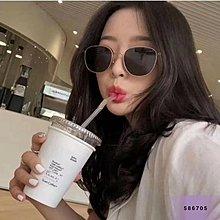 正韓連線UP  3/7【復古金屬邊墨鏡】規格: [黑/茶](墨鏡防水袋+擦拭布 )超多歐膩歐巴都在戴的這款~ 這款在韓國超紅 ! 男女戴都超有型❤️