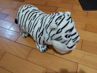 戽斗星球正版白老虎抱枕(有標籤