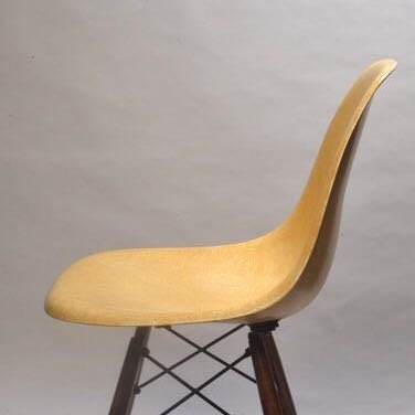Ochre yellow EAMES side CHAIR FIBERGLASS HERMAN MILLER