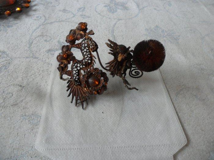 紫色小館-47--------早期神像頭飾品{合金}