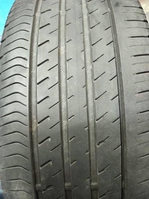 &中古登祿普VE303輪胎225/45/19吋一條含工資裝到好1000元此胎深五成新左右製造年份2017年(只有三條)