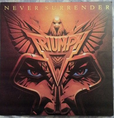 1983年出版Triumph-Never Surrender黑膠唱片