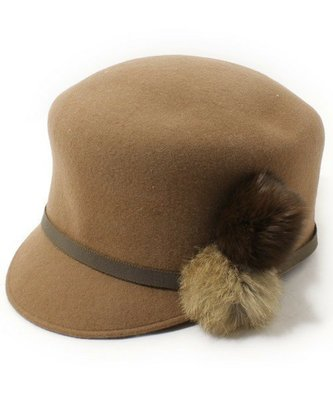 日本人氣品牌RYZA LENA著用,超個性手工羊毛側邊兔毛球球造型小顏款帽 貝蕾帽,乘馬帽,全新(NO.888)