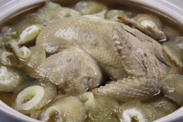 【滋補養生系列】小勾魚翅雞湯~真材實料一斤的小勾翅自己加 ~和一級棒的全雞人蔘湯底