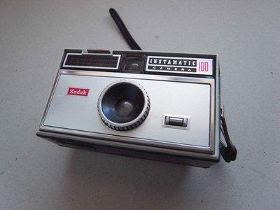 Kodak INSTAMATIC 100 (LE206)