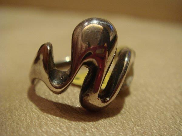 賣家珍藏,全新純銀戒指,賣場有同款較小戒圍,低價起標無底價!本商品免運費!