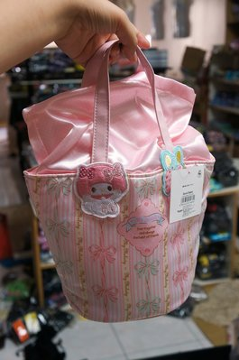 2020出清*三麗鷗 超粉嫩美樂蒂 夢幻公主風 粉紅珍珠緞面 手提袋 小包包(束口式)  特價450元