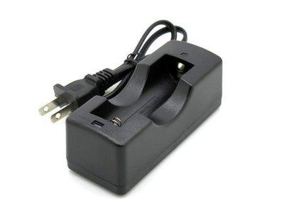 《宇捷》【E01】18650 鋰電池專用 3.7v