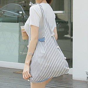 韓國精品==條紋渡假風針珠休閒時尚大包