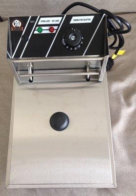 桃園國際二手貨中心-----全新品   King Cook 營業用EF-81 桌上型油炸機 油炸爐 油炸鍋