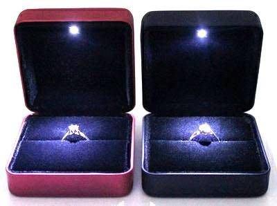 ☆蘿亞☆LED燈戒指盒/求婚首飾盒 /訂婚戒指盒/ 鑽戒盒 /戒指盒/LED戒指盒 情人節禮 生日禮物特價款