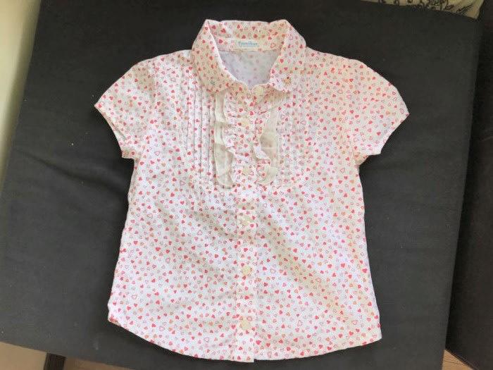 全新下水洗過沒穿過 麗嬰房 familiar 刺繡圖樣愛心滿版上衣-6/120cm-低價起標