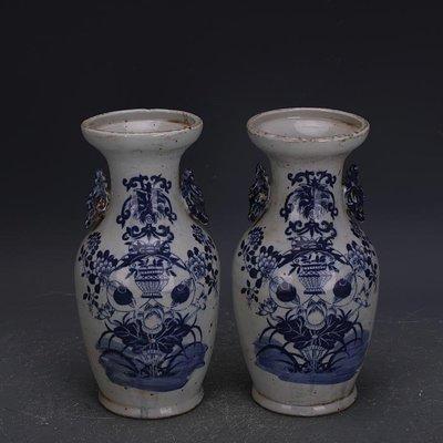 【三顧茅廬 】清晚期青花荷花紋雙耳瓶一對 古瓷古玩古董收藏復古擺件