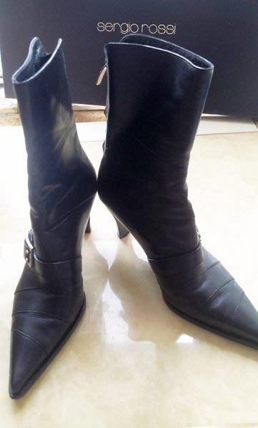 義大利頂級精品鞋SERGIO ROSSI 深黑小羊皮金屬釦環尖頭高跟中長靴(原價四萬多)