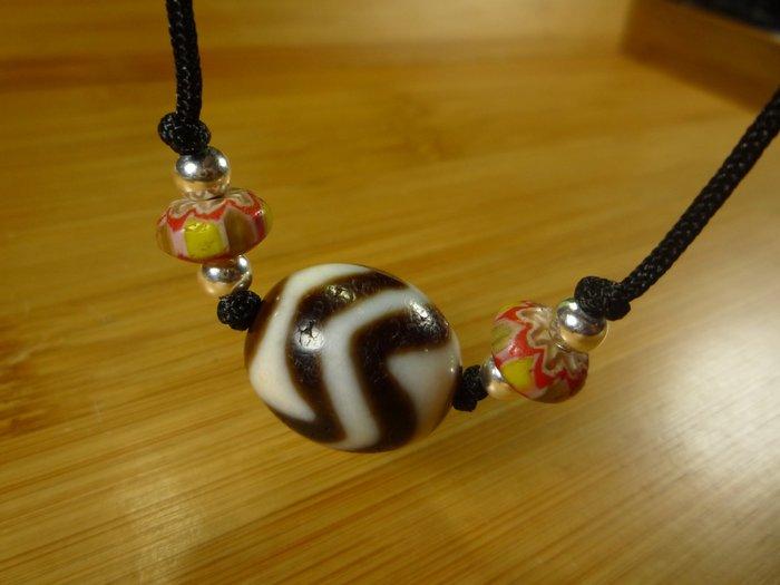 【珠添神聖】 傳說天珠 西藏 達洛型 閃電虎牙天珠項鍊  ~隨附收藏珠寶絨布袋~1