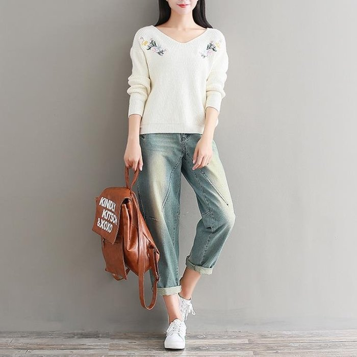 2018秋冬裝新款韓版刺繡長袖針織衫女套頭短款寬鬆V領毛衣打底衫