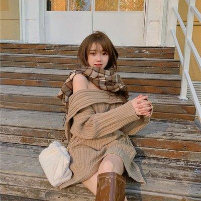 設計款兩穿性感露肩針織衫 圍巾造型一字領長袖毛衣 艾爾莎【TAE8685】