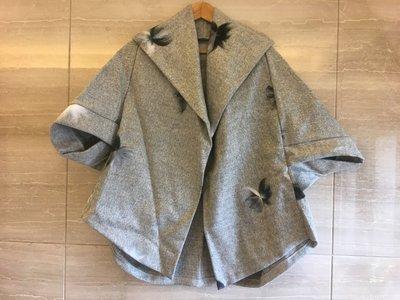 Nie Sansa 現貨 正韓精品服飾-大翻領厚毛呢七分袖寬版罩衫披肩外套