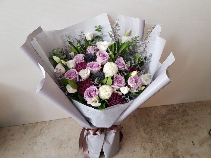 A01。紫玫瑰花束。台北西門歡迎自取。情人節。【Flower&House花藝之家】