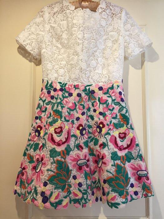 Valentino款 宋慧喬穿過 早春款蕾絲花朵朵刺繡洋裝