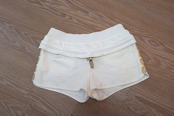 *Beauty*INTOO國內設計師白色短褲   0   號  300  元GR