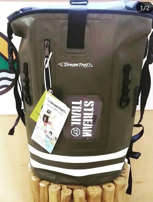 日本Stream Trail防水 登山包 雙肩背包 露營包特別款DRY TANK 25L Stripe 軍綠/白條紋