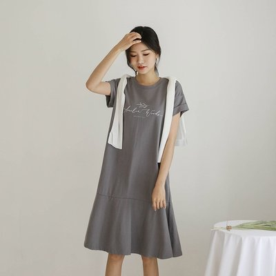 Bellee  正韓  草寫字母反褶短袖短袖純棉連身裙   (4色)【D84026】 預購