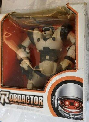 盒裝Roboactor TT317 機器人玩具/高約17公分/不知好壞,便宜賣,不保固,不退換。能接受物況者再下標