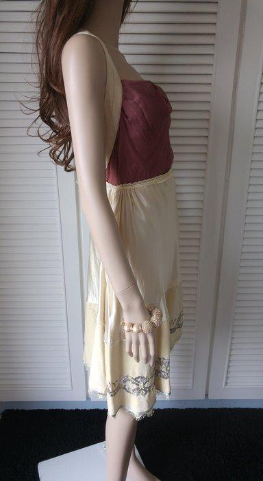 原價$27800同Blumarine 歐洲貴婦名媛愛牌 真絲拼接絲絨重工珠繡米色斜尾裙